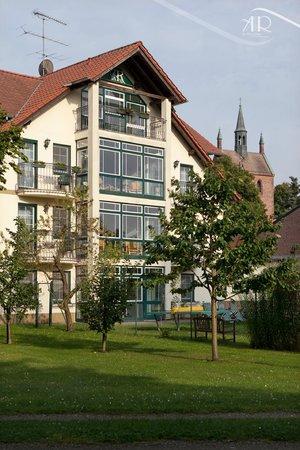 """Hotel & Restaurant Am Alten Rhin: Außenanlage © Hotel & Restaurant """"Am Alten Rhin"""""""