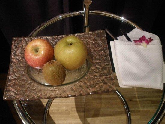 Hotel Eclat Taipei: Welcome fruits.
