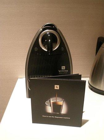 Hotel Eclat Taipei: Nespresso machine.