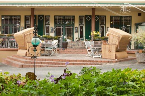 """Hotel & Restaurant Am Alten Rhin : Terrasse © Hotel & Restaurant """"Am Alten Rhin"""""""