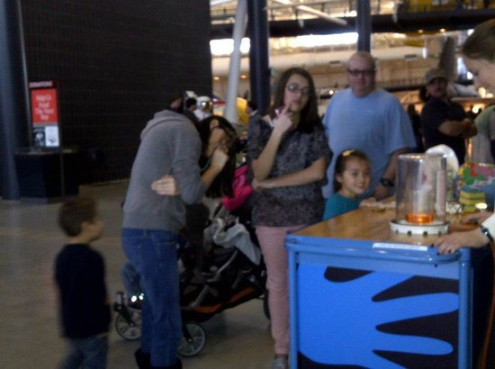 Smithsonian National Air and Space Museum Steven F. Udvar-Hazy Center: Fun activity