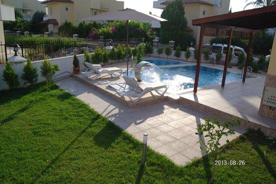Villa Belek Resort : Garten & Pool