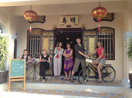 Ming Shou Boutique House: Friends from Ming Shou (with Baan)