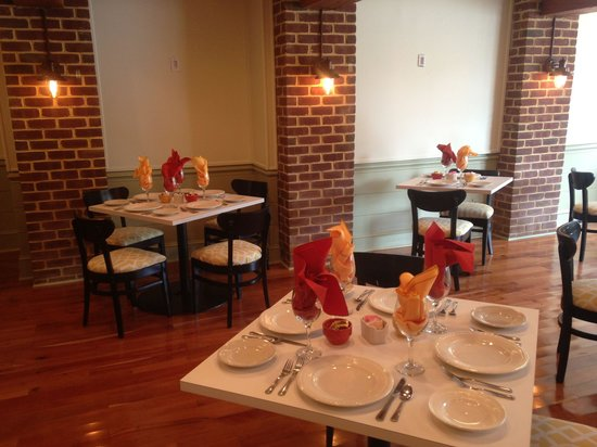 Lemon Leaf Cafe: Lemon Leaf's new dining room