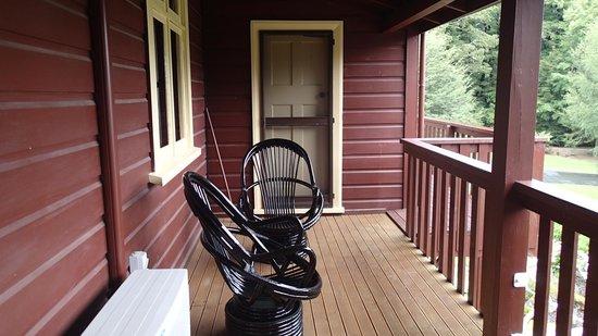 Lake Rotoroa Lodge : Coursive ne laissant pas d'intimité