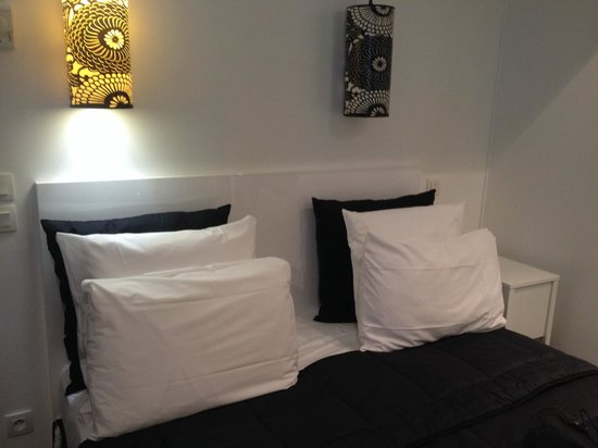 Hotel Standard Design: Bed
