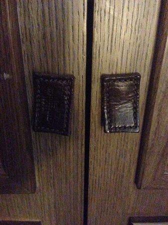 The Rothschild Hotel - Tel Aviv's Finest: closet doors