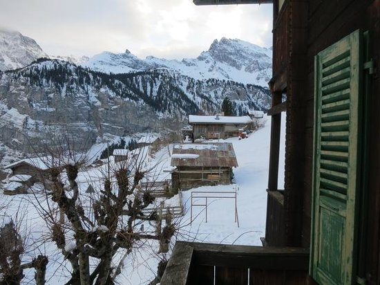 Blick vom Balkon des Hotel Mittaghorn in Gimmelwald