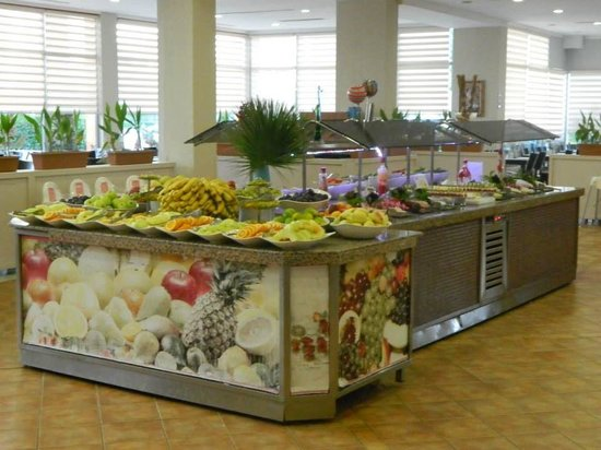 Holiday Village Turkey Hotel: Just 1 of the many food stations :-)