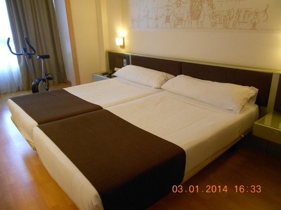 Paradise Park Fun Lifestyle Hotel: Bedroom