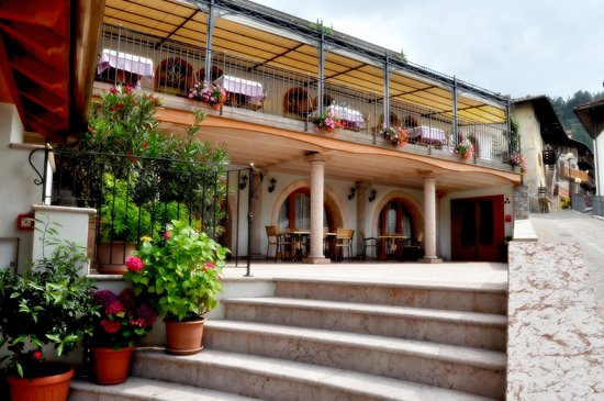 San Lorenzo in Banale, Italie : Scorcio terrazza