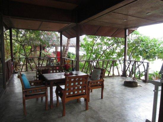 Bang Po Village: Terasse