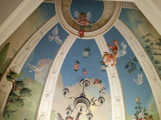 Hotel Bergschlössl: Bedroom Ceiling