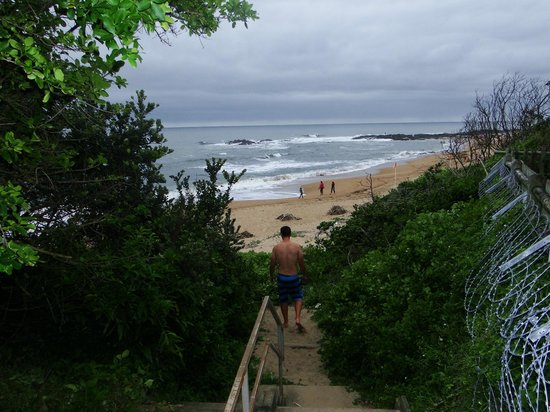 The Spot Backpackers: Steps to beach