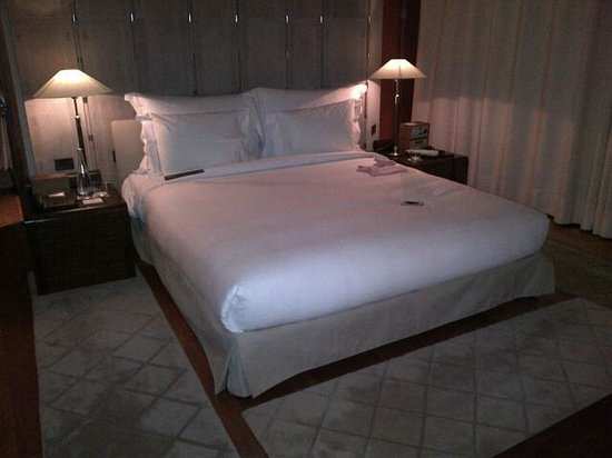 Hotel Arts Barcelona : bedroom