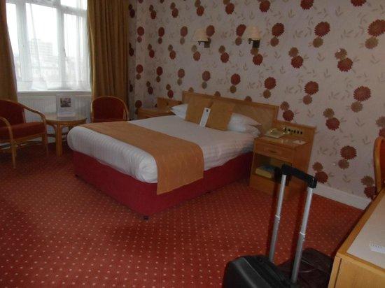 Best Western Royal Beach Hotel: Bedroom