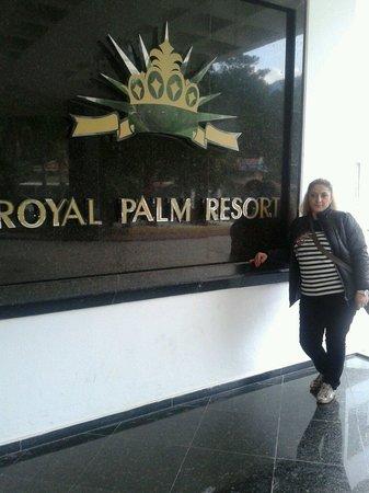 Royal Palm Resort : Na vxode))