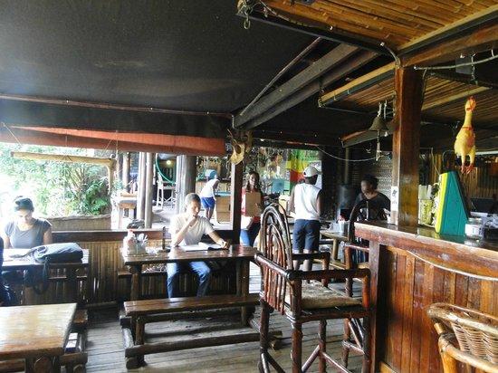 Amapondo Backpackers Lodge: Restaurant