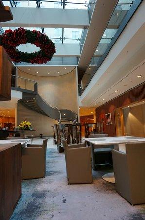 Swissotel Berlin : In der Lobby