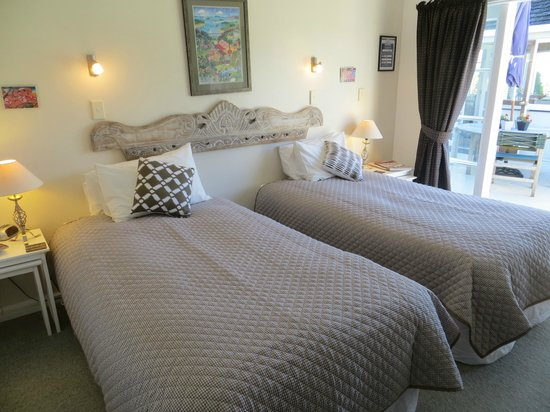 Cotswold Cottage: Aynsome as 2 king single beds