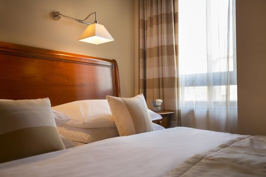 Best Western Premier Hotel Astoria: Bed
