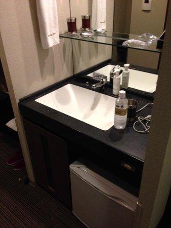 Yugiri no Yu Dormy Inn Premium Namba: 大きな洗面台