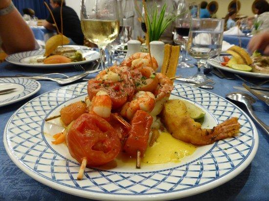 """Barcelo Bavaro Beach - Adults Only: Plat de poisson au restaurant """"Coral"""""""