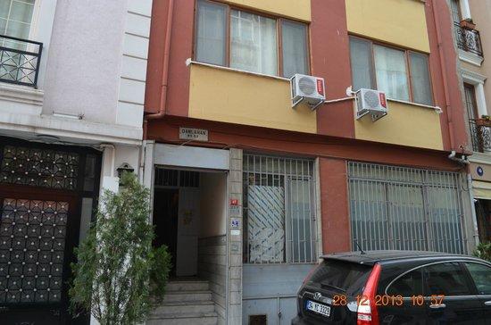 Blue Istanbul Hotel: Edificio donde estan las suites, al lado esta el propio hotel