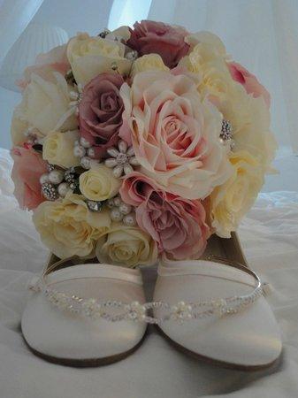 Artemis Villas: My flowers :)
