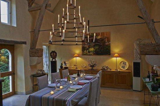 Le Charme Merry : salle à manger