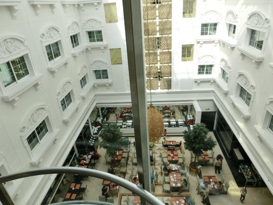 show user reviews holiday dubai embassy district emirate