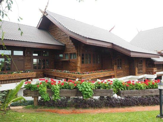 Doi Tung Royal Villa : Altra veduta dello châlet