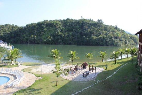 Promenade Angra dos Reis - TEMPORARILY CLOSED : Бассейн и море