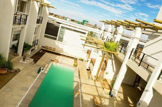 Villa Vista Guesthouse: Courtyard / Pool