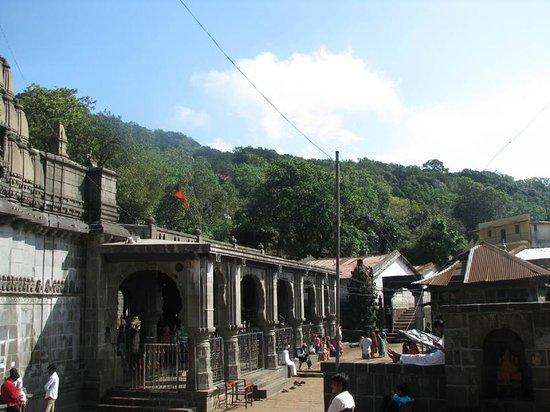 Bhimashankar, الهند: Bhimshankar temple