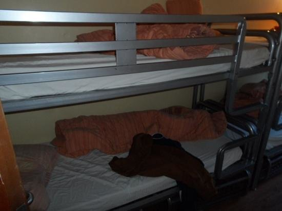 Bru Bar and Hostel: Bunk beds
