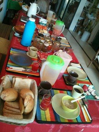 Pousada Esmeralda: Le petit déjeuner hors normes