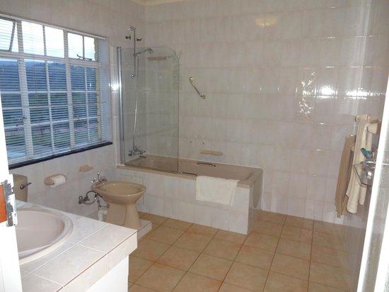 Wayfarers Guest House : Bathroom