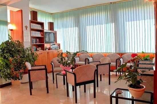 Hotel Saturno: Sala TV