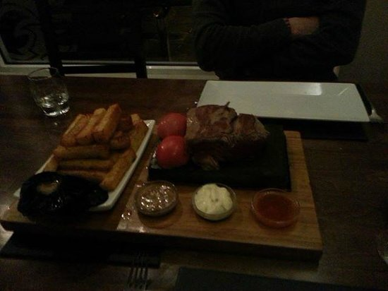 Stone Lounge: Chateaubriand