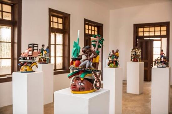 Ouidah, Benin: les masques de Kifouli Dossou