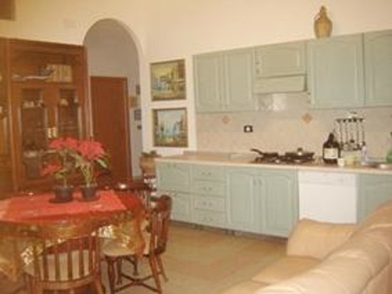 Al Borgo Vacanze B&B: Cucina - soggiorno interno