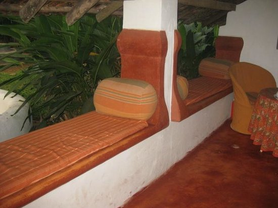 Vivenda Dos Palhacos: verandah of chummery overlooking the pool