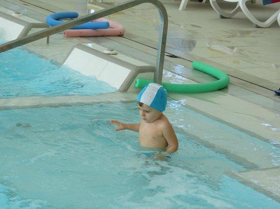 Hotel Universal Abano Terme : И крохе найдётся место для купания!