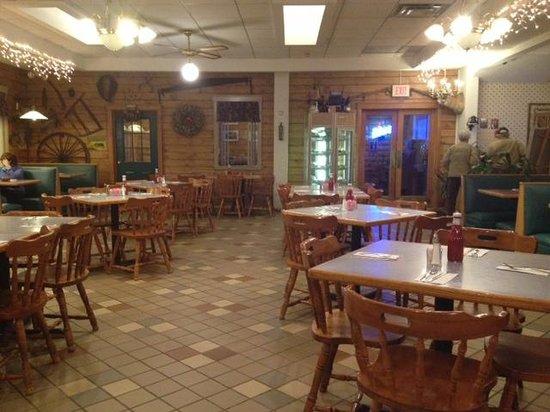 Log Cabin Family Restaurant: Log Cabin inside