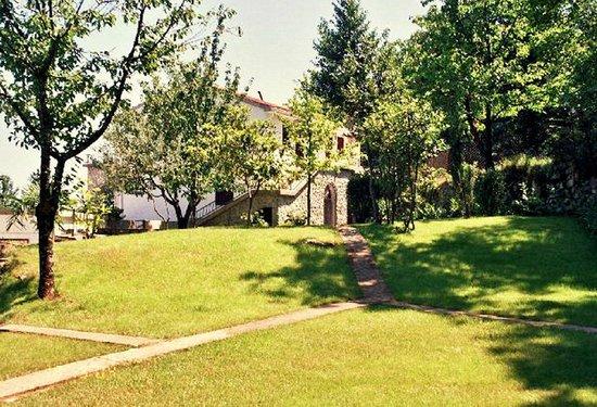 Apartments Kestenovi Dvori: garden