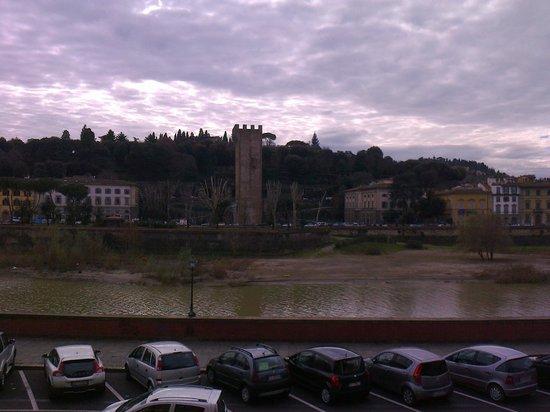 Hotel Ritz : Vista dalla Camera (ARNO)