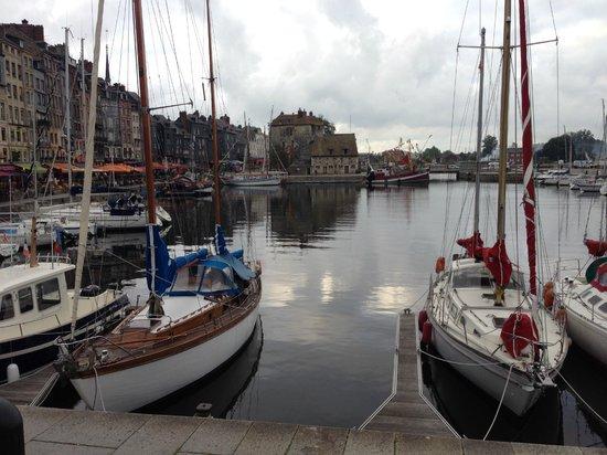 Le Vieux Bassin : Вид на бухту