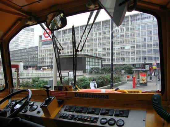 """London Duck Tours: Vista de dentro do """"onibus"""""""