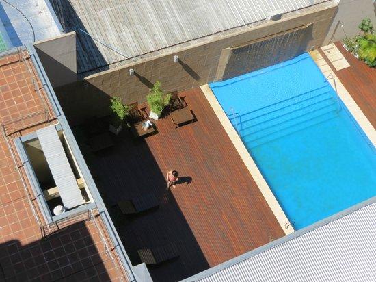 Hotel Urbano Posadas : Piscina desde la habitación